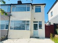 3 Bed Terraced house to rent in Queensbury-DALE AVENUE
