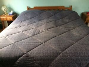 King size reversible comforter