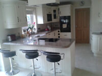Professional Female required for Room to rent in Newry - Luxurious house