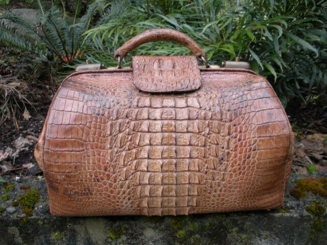 "Antique Victorian 16.5"" Alligator Satchel, Large Hornback Scales, Doctor"