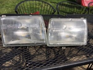 Headlight / Assemblage de phare Mercedes W126