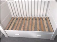 Bonito Bebe White Sledge Cotbed with Drawer