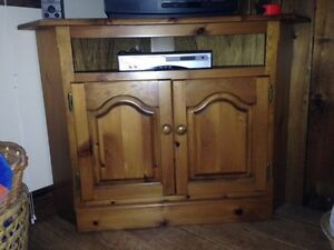Pine TV Cabinet with TV