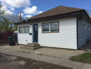 Renovated 3 bdrm home in River Flats For Rent.