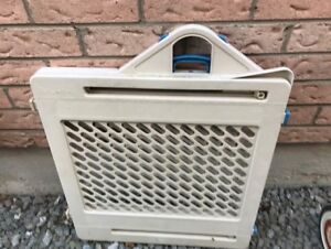PET BABY GATE GENTLY USED GOOD CONDITION