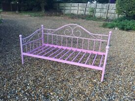 Pink Victorian Style Metal Day Beds