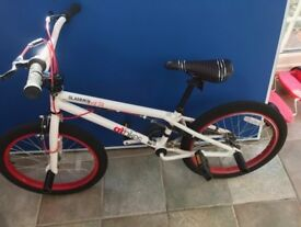 GT Slammer BMX bike in perfect condition, located in Woking buyer collects