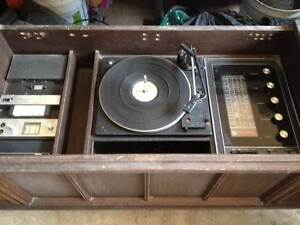 old school GE Hi-fi Radio & Record Stereo system/ vintage buffet. Gosford Gosford Area Preview