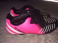 8-10 year old football boots