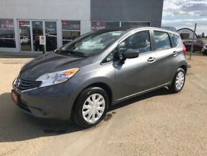 2016 Nissan Versa Note 1.6 SV Legendary Nissan economy and re...