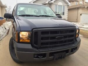 2007 Super Crew Ford F-250/ SAFETIED. Low km's!