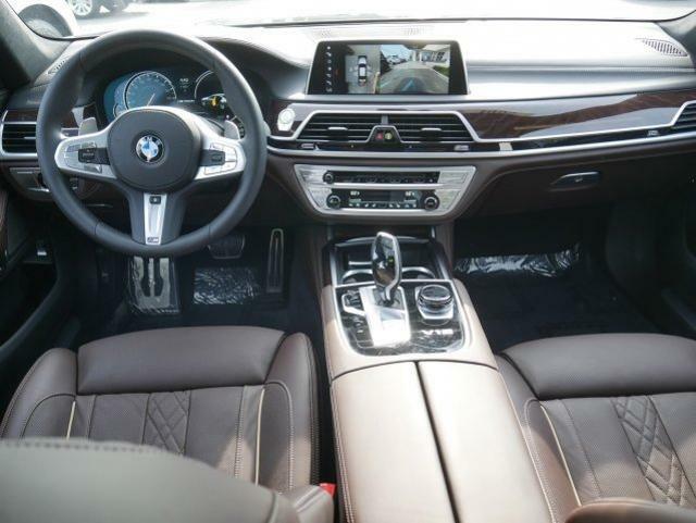 Image 13 Voiture Européenne d'occasion BMW 7-Series 2019