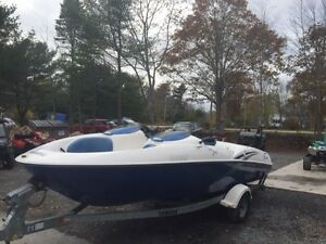 YAMAHA JET BOAT LX2000 2002 270 HP AND TRAILER