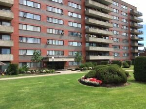 2 bed apt in Pointe-Claire, rent includes heating,elect, bell tv