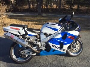 1998 Suzuki TLR1000 Superbike Great Bike Ready to ride, New MVI