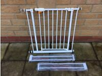 Excellent Condition Used Extendable Stair Gate