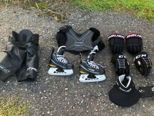 Youth hockey equipment (great condition)