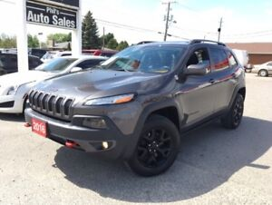 2016 Jeep Cherokee TRAILHAWK 4X4 // V6// PANORAMIC ROOF....