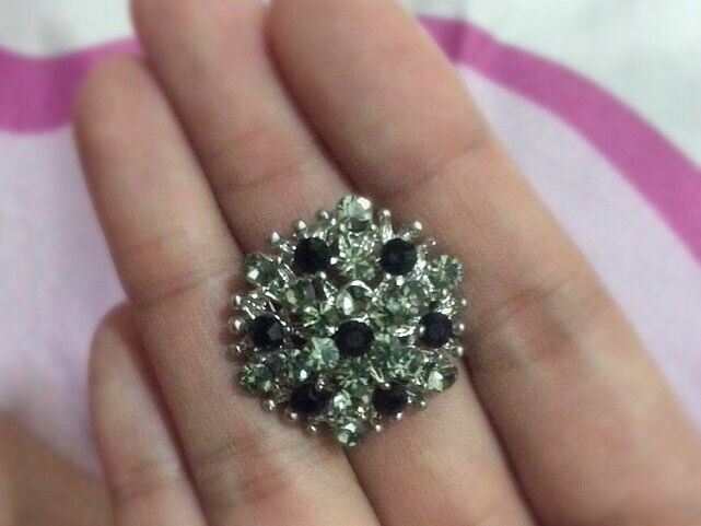 New Accessorize Black And Silver Rhinestone Ring