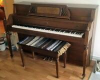 Lowrey Piano
