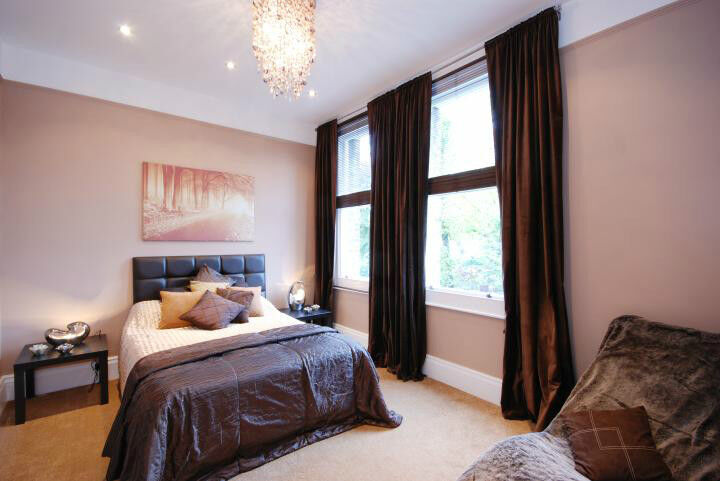 3 double bedrooms flat with 3 bathrooms in Hampstead.