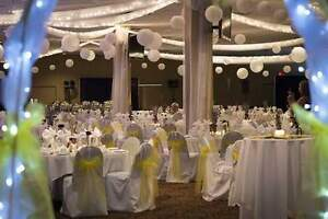300 white universal chair covers