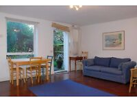 Studio flat to rent in Chalcot Crescent, Primrose Hill, NW1 8YD