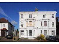 2 bedroom flat in Green Lanes, London, N13