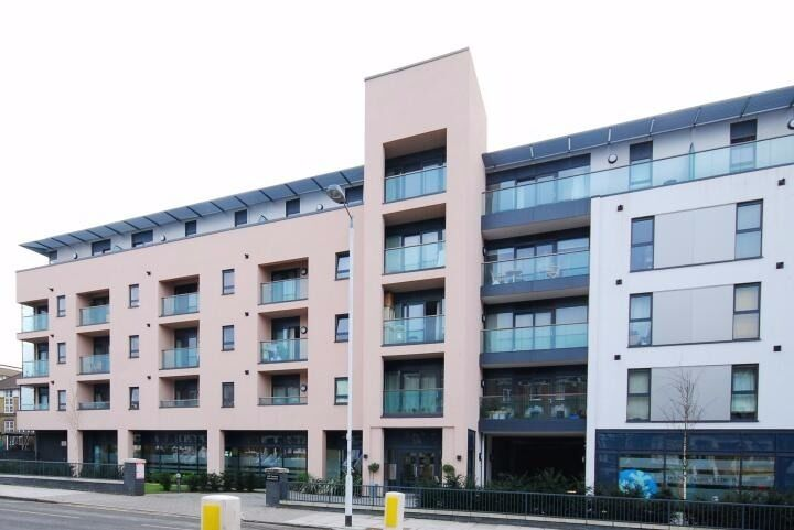 Great Modern Two Bedroom Apartment In Highbury, Near Upper Street & Many Transport Links