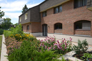 Spacious 3  bdrm TOWNHOUSES  - Open Concept in West Island West Island Greater Montréal image 12