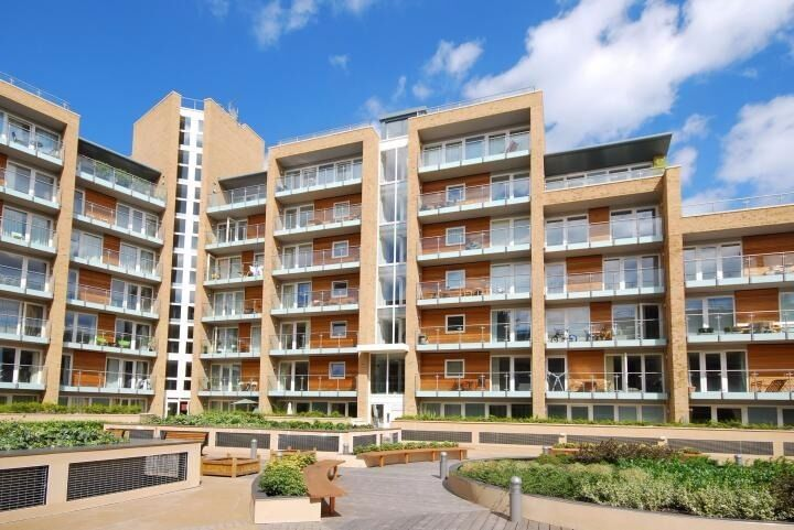 Fantastic 1 Bed Close to Battersea Park in the Viridian Development