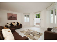 Luxury 3 bedroom 3 bathroom flat in apartment close to Central London.