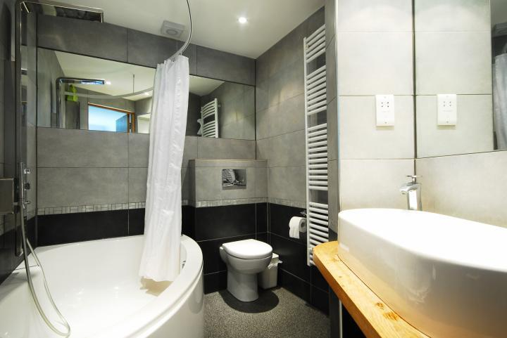Huge Luxury 1 bedroom property Central London only £385pw!! Must see!