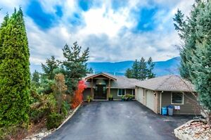 PANORAMIC LAKE VIEW SALMON ARM