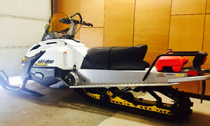 2015 550f ski-do Tundra sport air cooled with only 8 kms!!