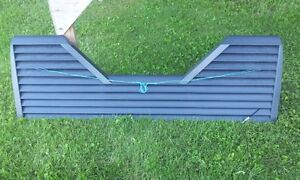 Louvered towing tailgate