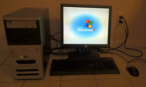 Compaq Windows XP Desktop Computer With Wi-Fi