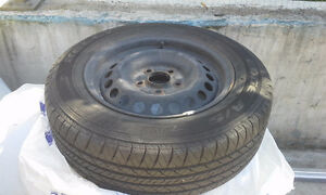 Kelly Edge All Season 195 / 65 R15 on rims West Island Greater Montréal image 10