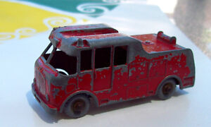LESNEY MATCHBOX MERRYWEATHER MARQUIS SERIES III FIRE TRUCK #9