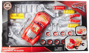 NEW: Disney Pixar Cars Race Ready Lightening McQueen Set