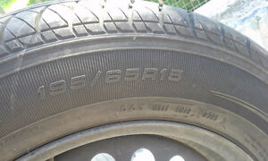 Kelly Edge All Season 195 / 65 R15 on rims West Island Greater Montréal image 5