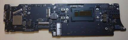 A1465 2013 Macbook Air Motherboard Core I5, 4G RAM, 3 mnth wrnty