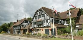 Bar & Waiting Team members required - The Grasshopper Inn – Immediate start – Great rates of pay