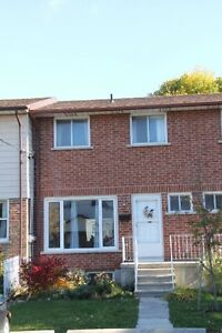 27-6 Addington St-3 Bedroom Townhouse