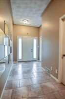 EXCEPTIONALLY MAINTAINED SEMI D in Copper Park neighbourhood