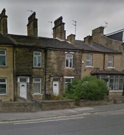 2 BEDROOM THROUGH TERRACE HOUSE TO LET BRADFORD 8 - NEWLY RENOVATED!!