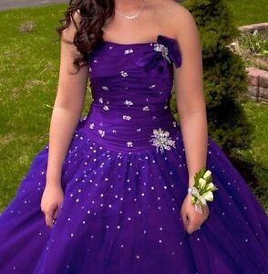 Grad dress for sale!  St. John's Newfoundland image 1