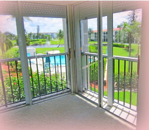 Charming condo and free golf- 965ft²
