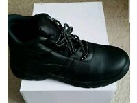 Black safety boots size 10