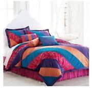 Seventeen Bedding